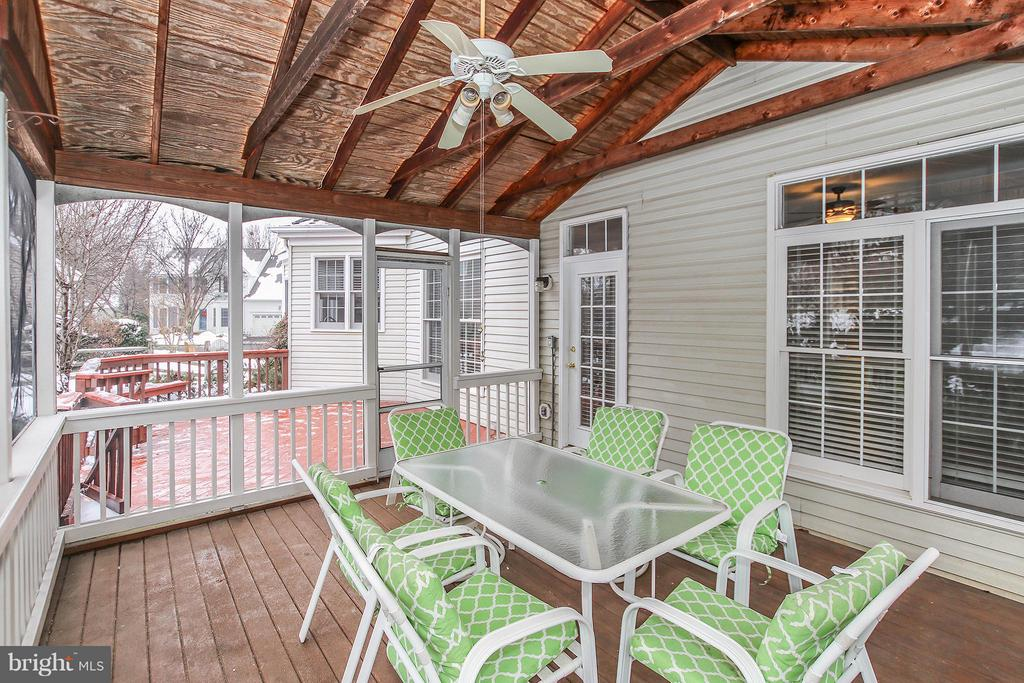 Screened Porch - 46611 KINGSCHASE CT, STERLING