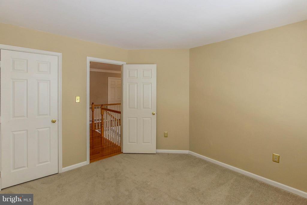 Bedroom 2 - 46611 KINGSCHASE CT, STERLING