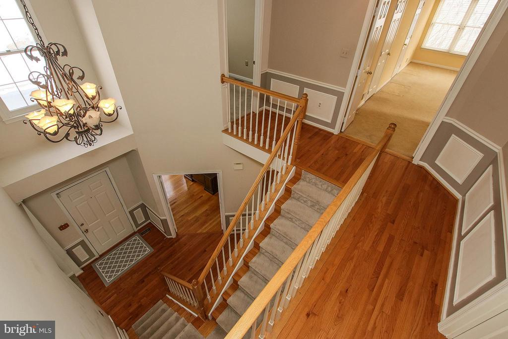 Upper Level Hallway - 46611 KINGSCHASE CT, STERLING