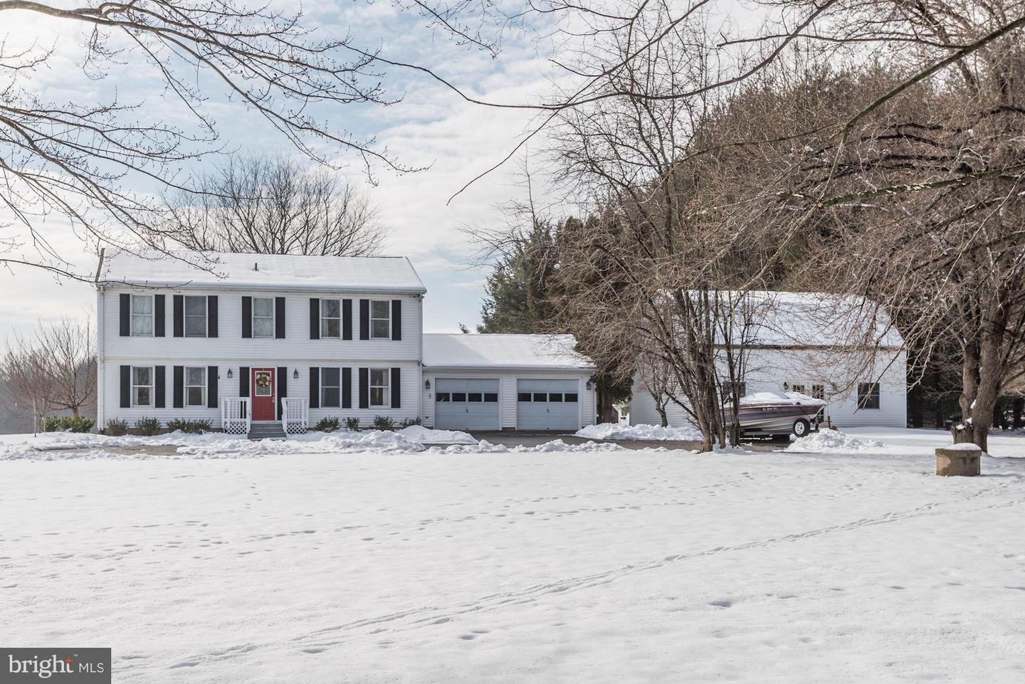 Additional photo for property listing at 41865 Woodcrest Ln Leesburg, Virginia 20176 United States