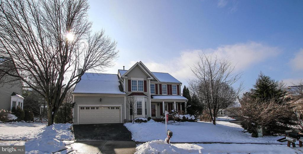 - 46611 KINGSCHASE CT, STERLING