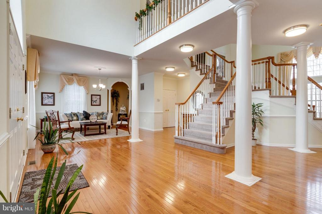 Foyer - 8020 POHICK RD, SPRINGFIELD