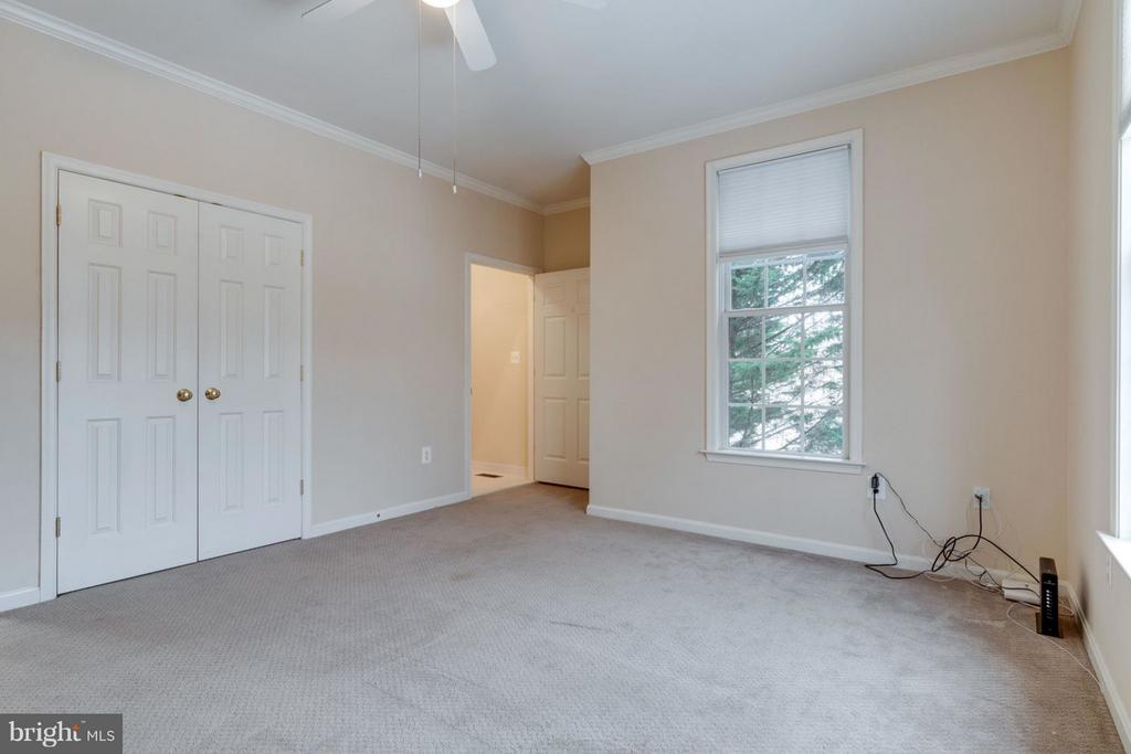 Main Level Master Bedroom - 8020 POHICK RD, SPRINGFIELD