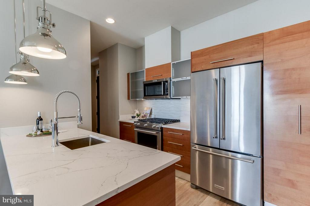 Brand New Appliances - 12025 NEW DOMINION PKWY #222, RESTON