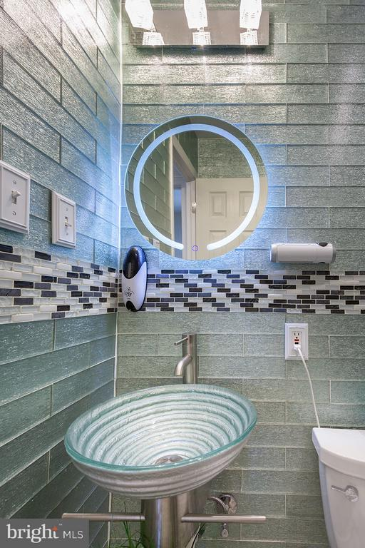 Bathroom - 3310 DONA AVE, ALEXANDRIA