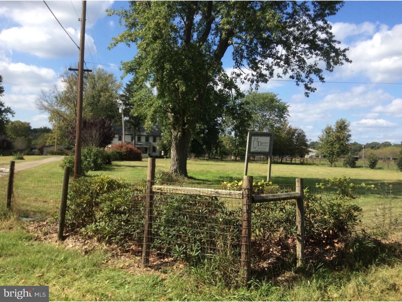Частный односемейный дом для того Продажа на 169 RUSSELL MILL Road Swedesboro, Нью-Джерси 08085 Соединенные Штаты