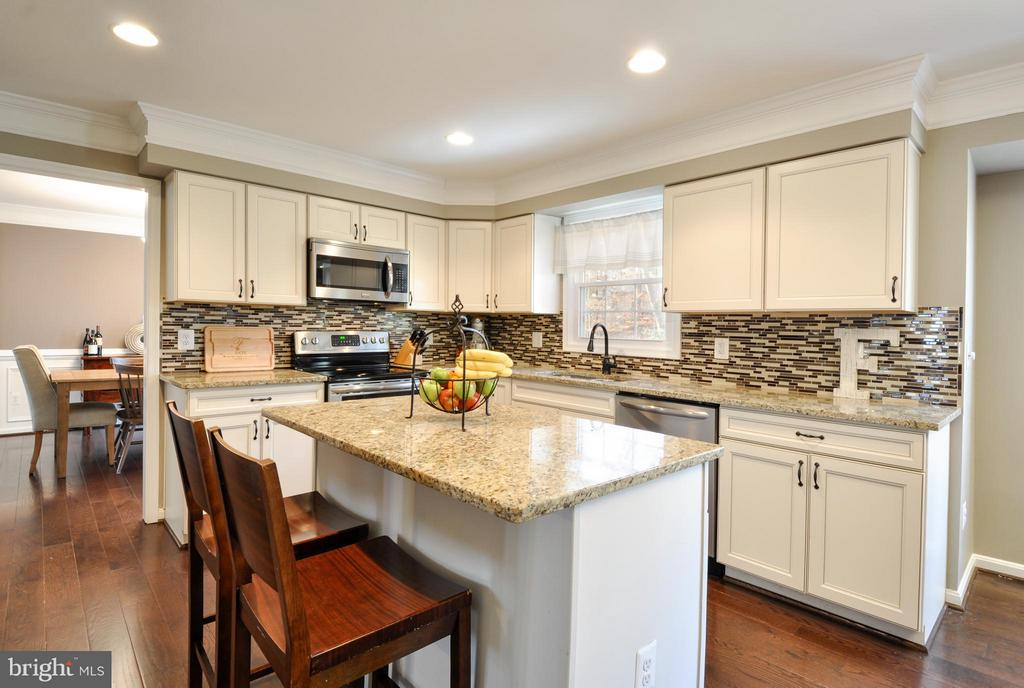Gourmet Kitchen! - 2 CHARLESTON CT, STAFFORD