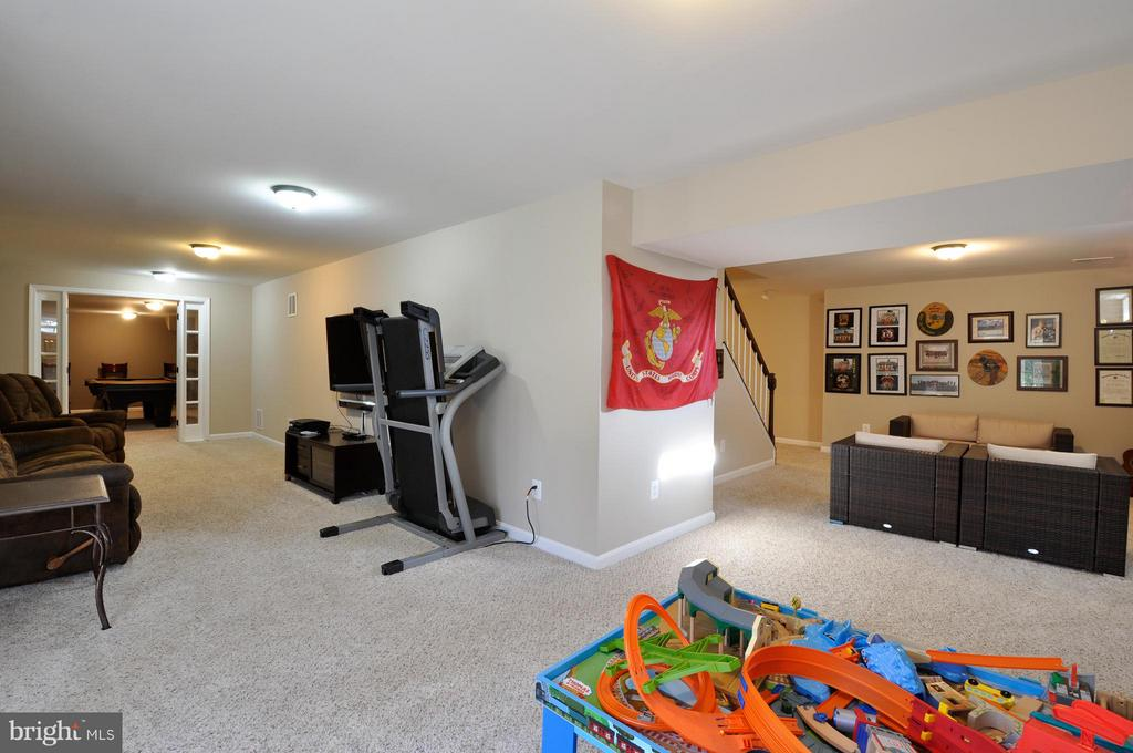 Finished  basement with plenty of room to play! - 2 CHARLESTON CT, STAFFORD