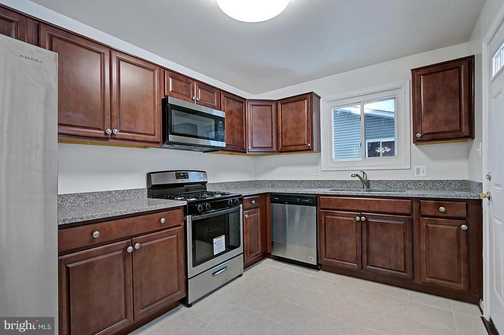 - 7009 INDEPENDENCE ST, CAPITOL HEIGHTS