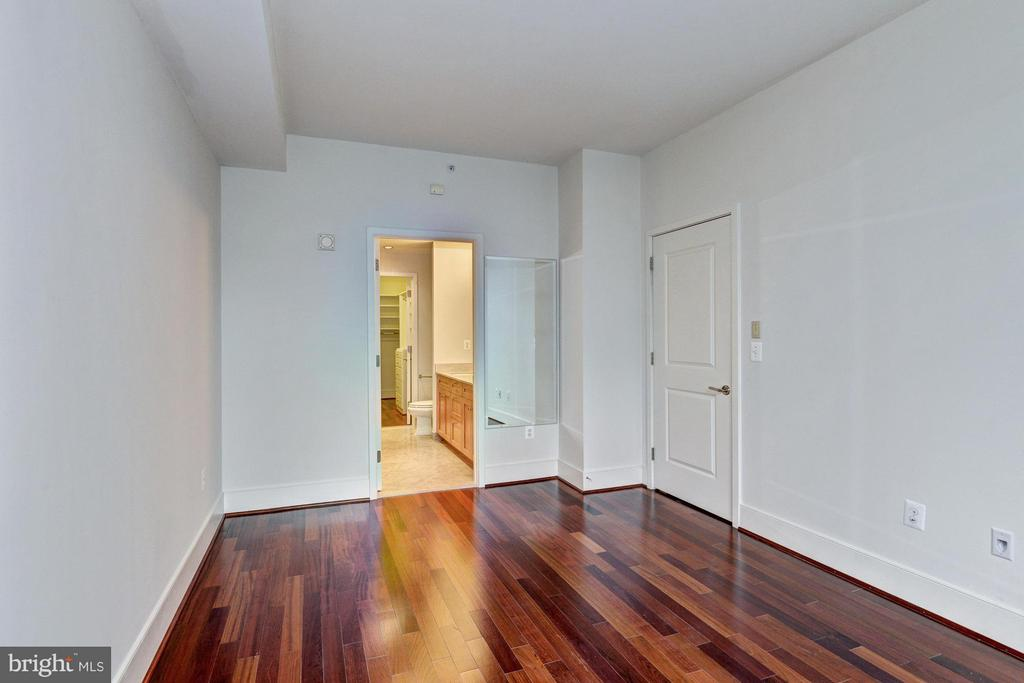 Master Bedroom-View to En Suite Bath - 4301 MILITARY RD NW #204, WASHINGTON