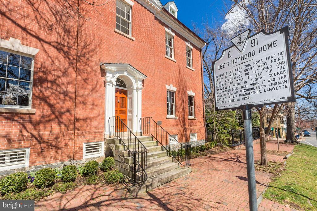 Historic Restoration in the heart of Old Town! - 601 & 607 ORONOCO ST, ALEXANDRIA