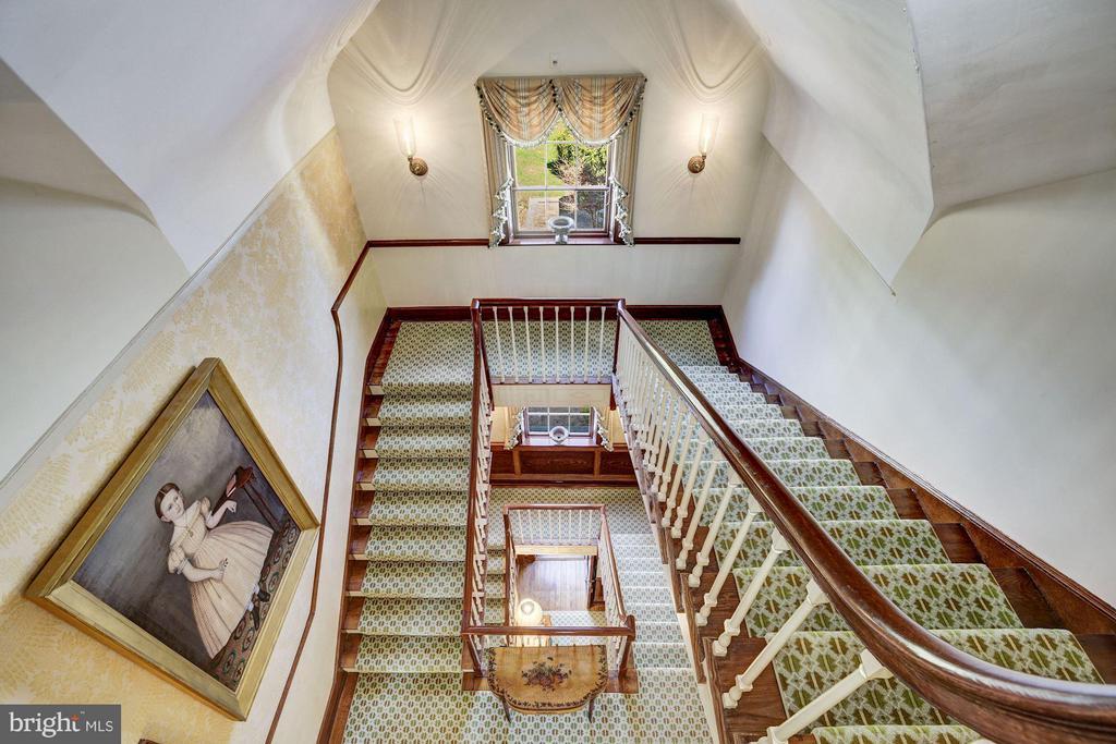 Beautiful Wrap Around Stairs from Third Level - 601 & 607 ORONOCO ST, ALEXANDRIA