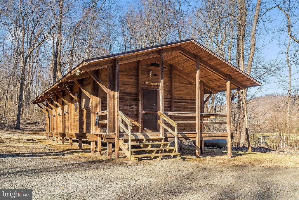 Cabin - 12494 MOSS HOLLOW RD, MARKHAM