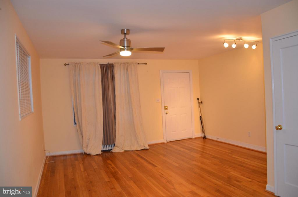 Living Room - 7546 NW 8TH ST NW, WASHINGTON