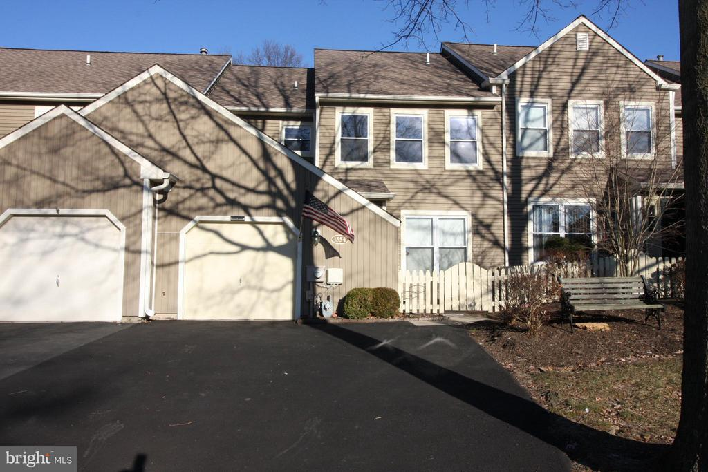 1554  WILLOW POND DRIVE, Yardley, Pennsylvania