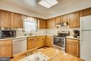 Kitchen - 110 SHENANDOAH LN, STAFFORD