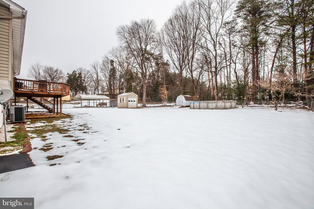 Huge back yard! - 110 SHENANDOAH LN, STAFFORD