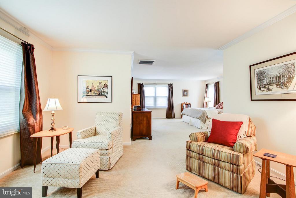 Master suite sitting area - 7013 EXFAIR RD, BETHESDA