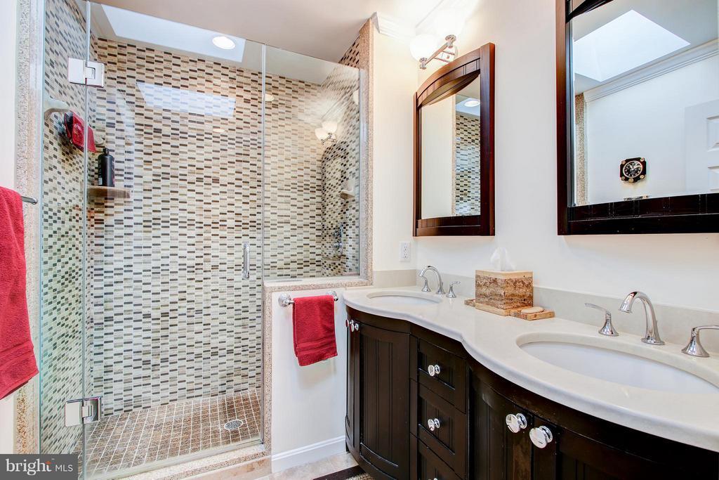 Master Bath - 7013 EXFAIR RD, BETHESDA