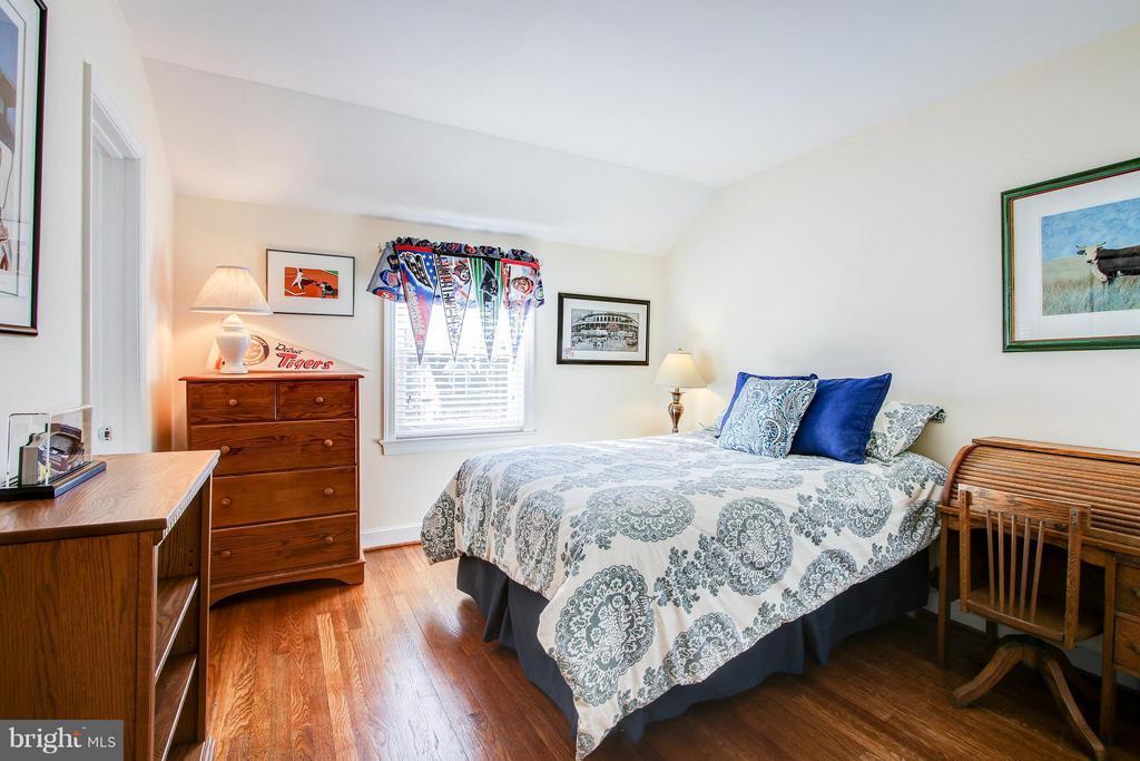 Bedroom #3 - 7013 EXFAIR RD, BETHESDA
