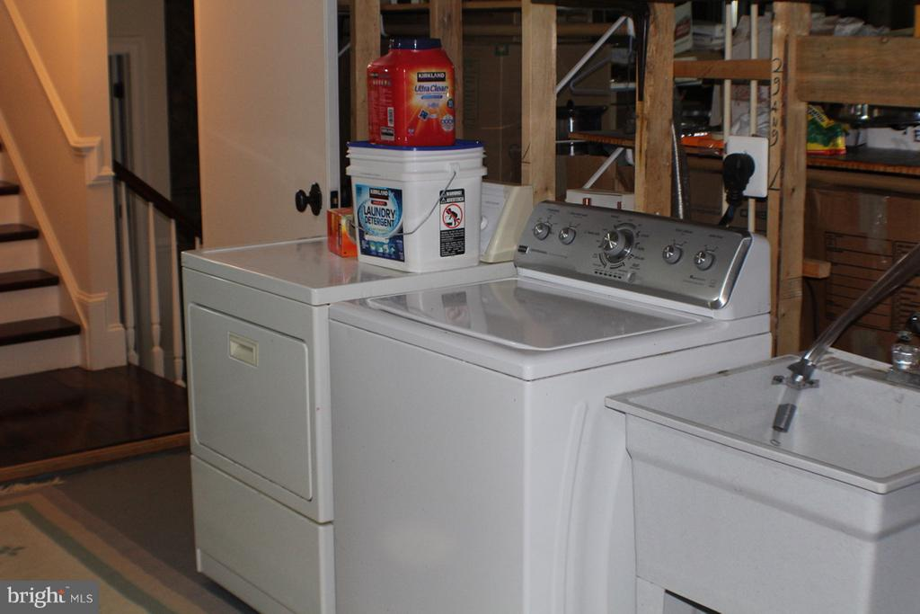 WASHER, DRYER AND LAUNDRY SINK - 20970 STEPTOE HILL RD, MIDDLEBURG