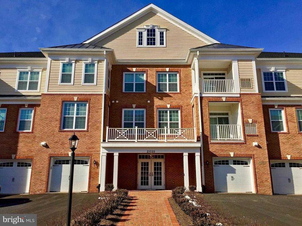 Gorgeous Toll Brothers Community!! - 21025 ROCKY KNOLL SQ #203, ASHBURN