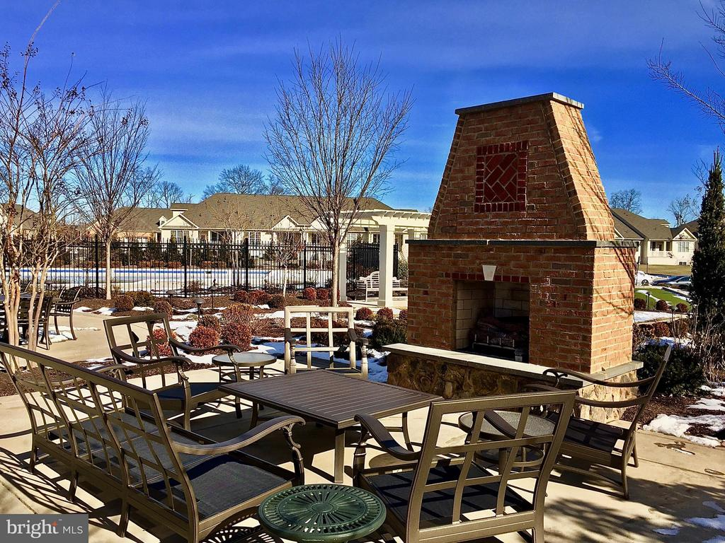 Outdoor space for gathering & cook outs! - 21025 ROCKY KNOLL SQ #203, ASHBURN