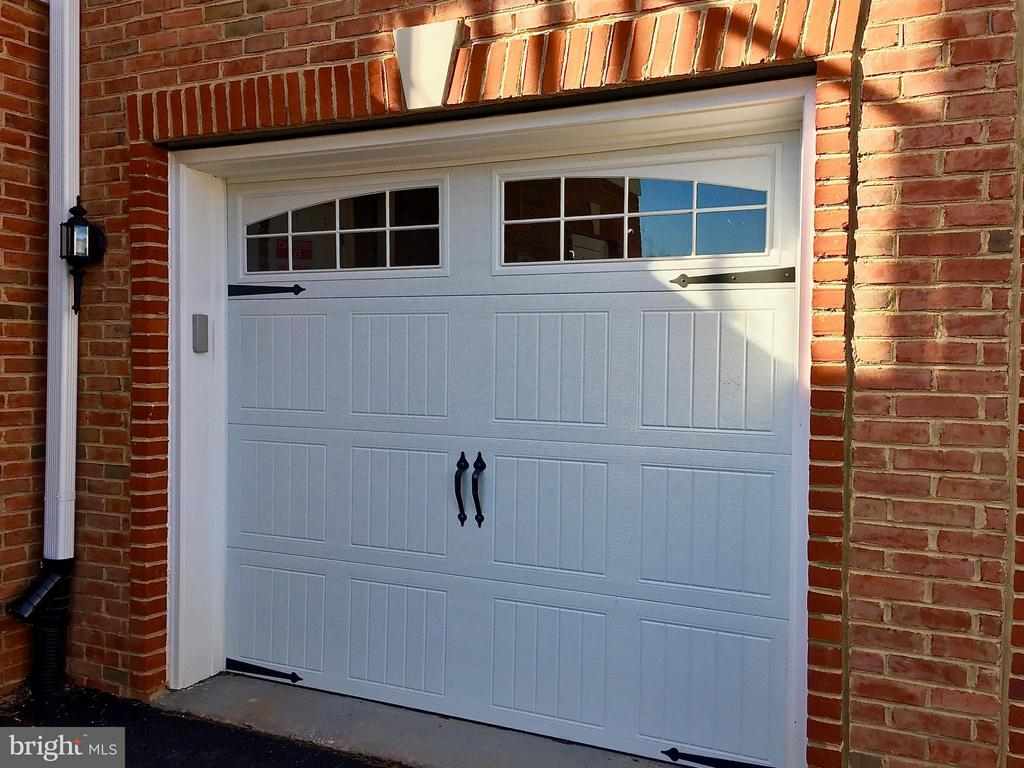 Garage- do not need to go outside! - 21025 ROCKY KNOLL SQ #203, ASHBURN