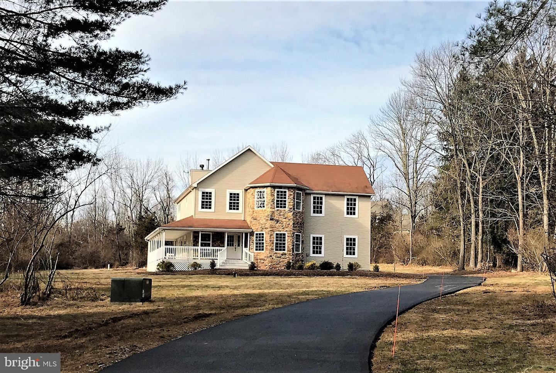 Enfamiljshus för Försäljning vid 390 WOOLF ROAD Milford, New Jersey 08848 Förenta staternaI/Runt: Alexandria Township