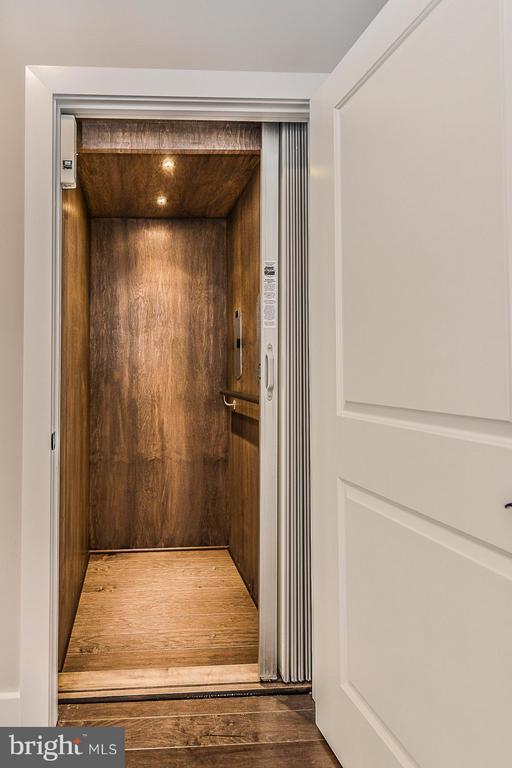 Elevator Services All 3 Levels - 6103 OLIVET DR, ALEXANDRIA