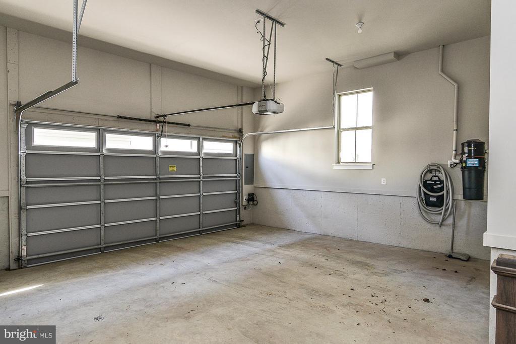 2 Car Garage, Storage Nook, Central Vacuum System - 6103 OLIVET DR, ALEXANDRIA