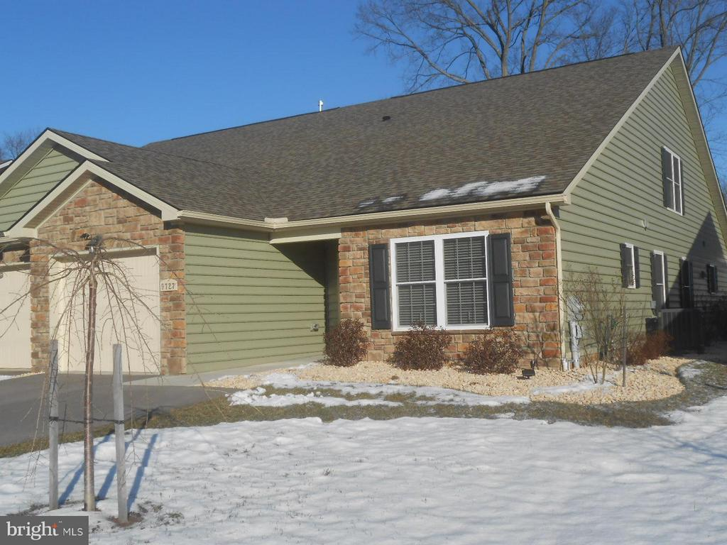 1818 sq. ft on main level. 2bdrm/2full bath - 9727 COBBLE STONE CT, HAGERSTOWN