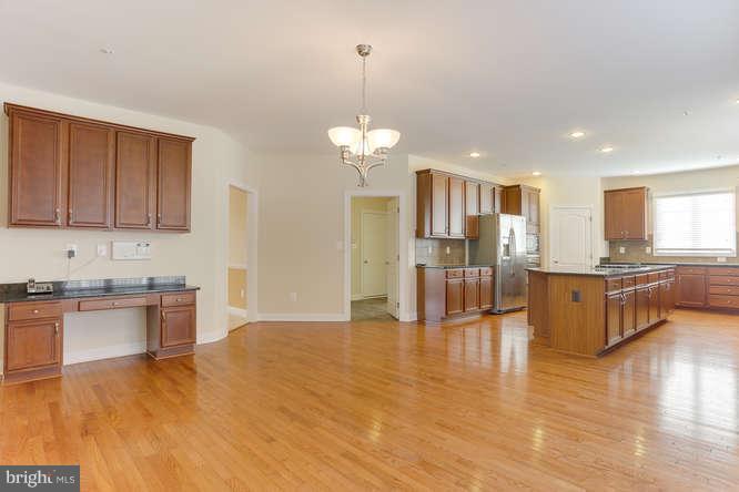 Huge kitchen - 8510 KITTAMA DR, CLINTON