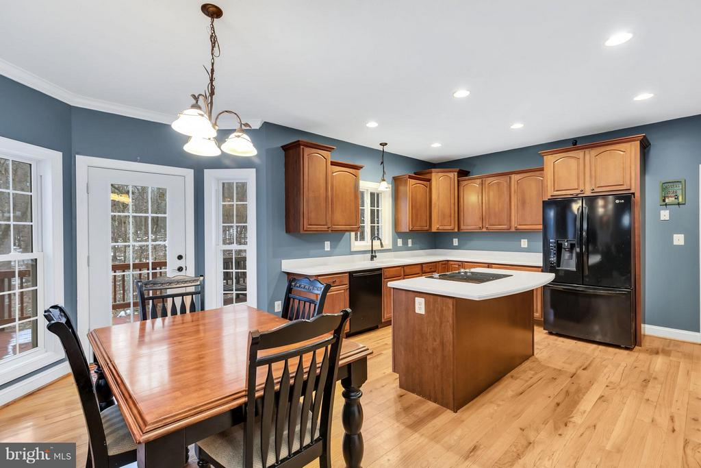Large, eat in kitchen features walk out to deck - 57 APPLEJACK, HARPERS FERRY