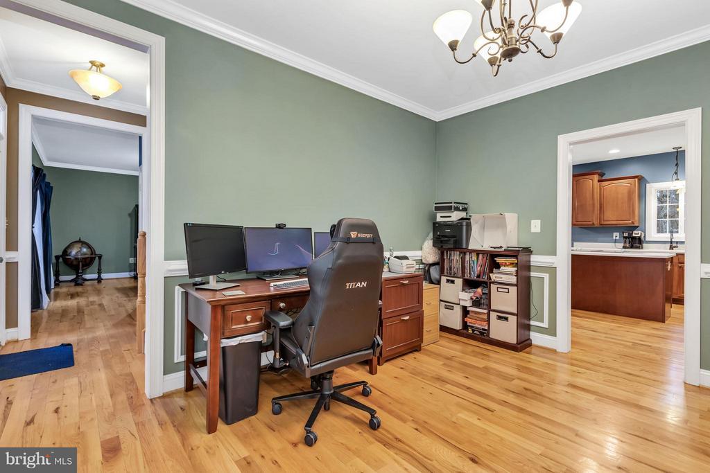 Dining/living room adjacent to kitchen - 57 APPLEJACK, HARPERS FERRY
