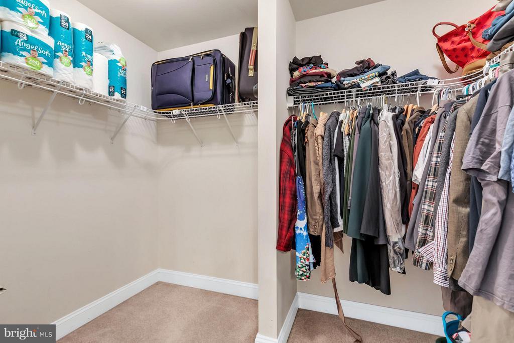 Large walk in closet - 57 APPLEJACK, HARPERS FERRY