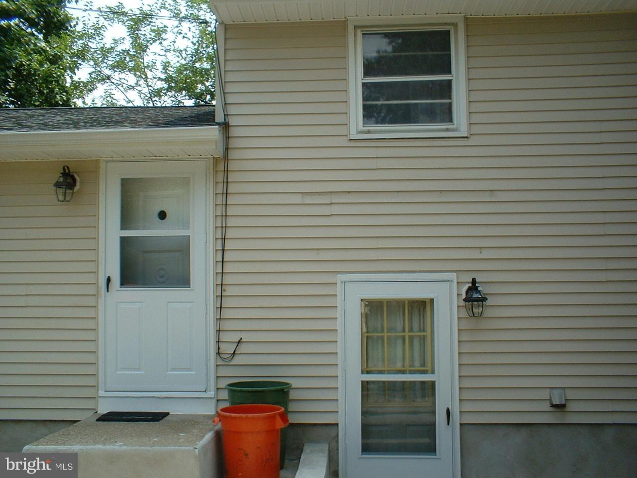 Maison unifamiliale pour l Vente à 62 E OAK Avenue Lawnside, New Jersey 08045 États-Unis