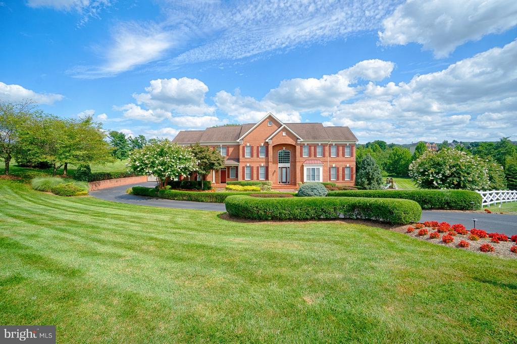 - 14786 BANKFIELD DR, WATERFORD