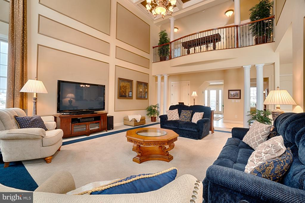 View to upstairs landing from Great Room - 14786 BANKFIELD DR, WATERFORD