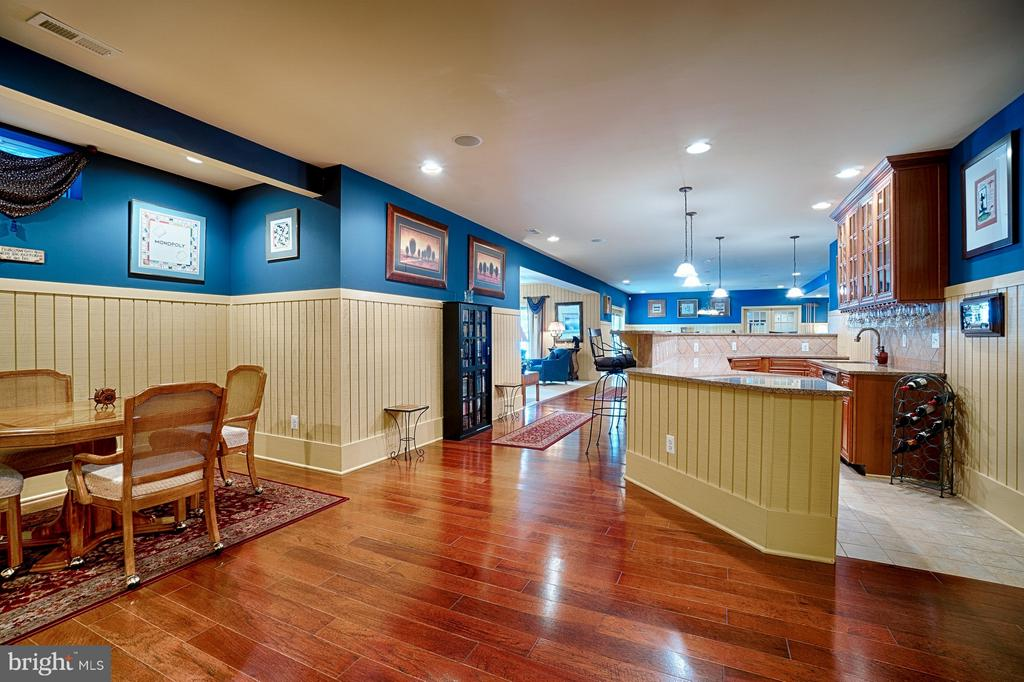 Lower Level bar area - 14786 BANKFIELD DR, WATERFORD