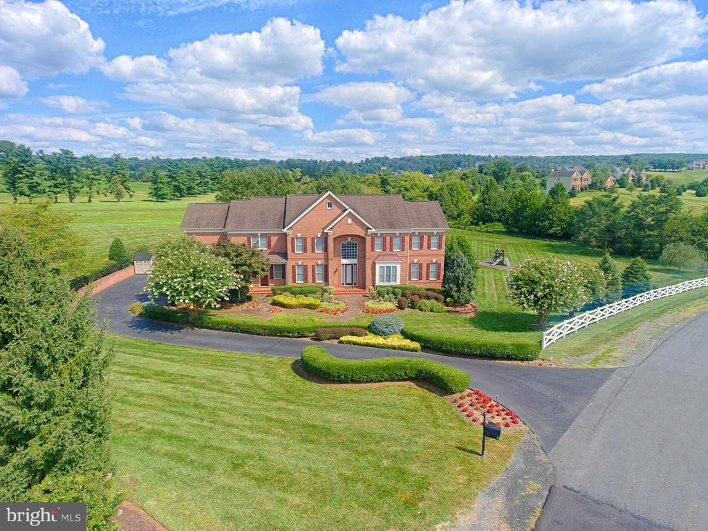 Aerial view of the front of property - 14786 BANKFIELD DR, WATERFORD