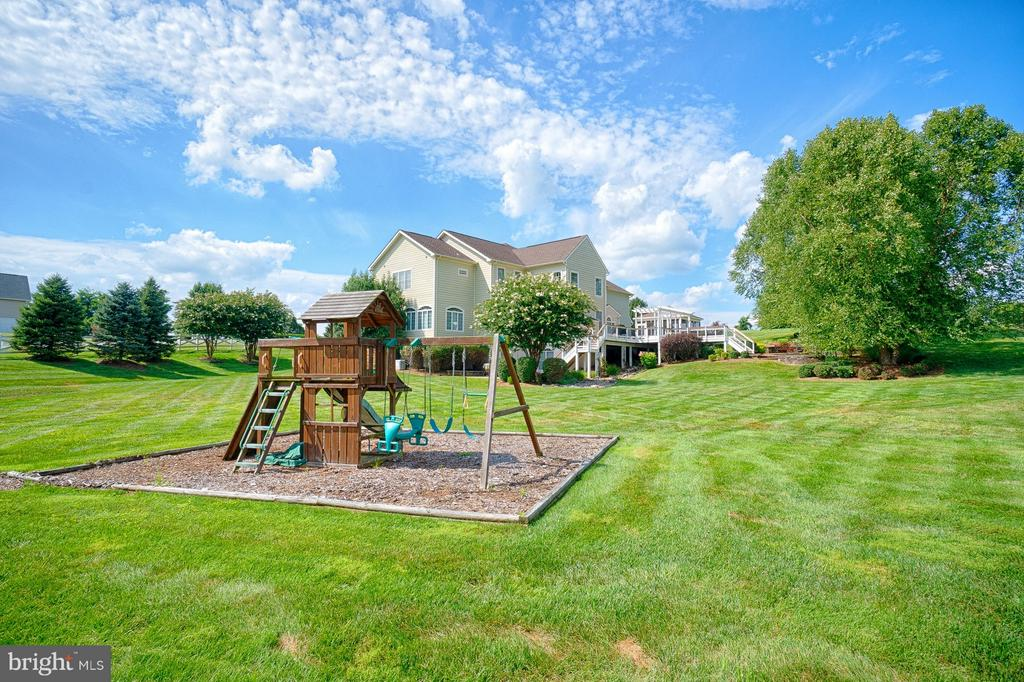 Play area - 14786 BANKFIELD DR, WATERFORD