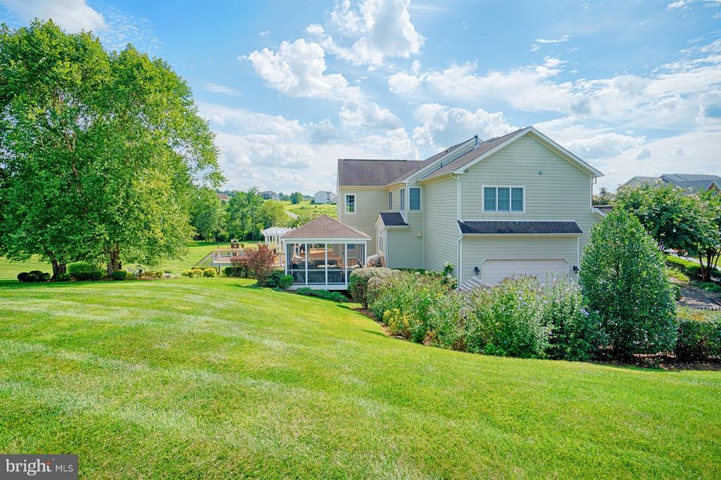 Side view - 14786 BANKFIELD DR, WATERFORD