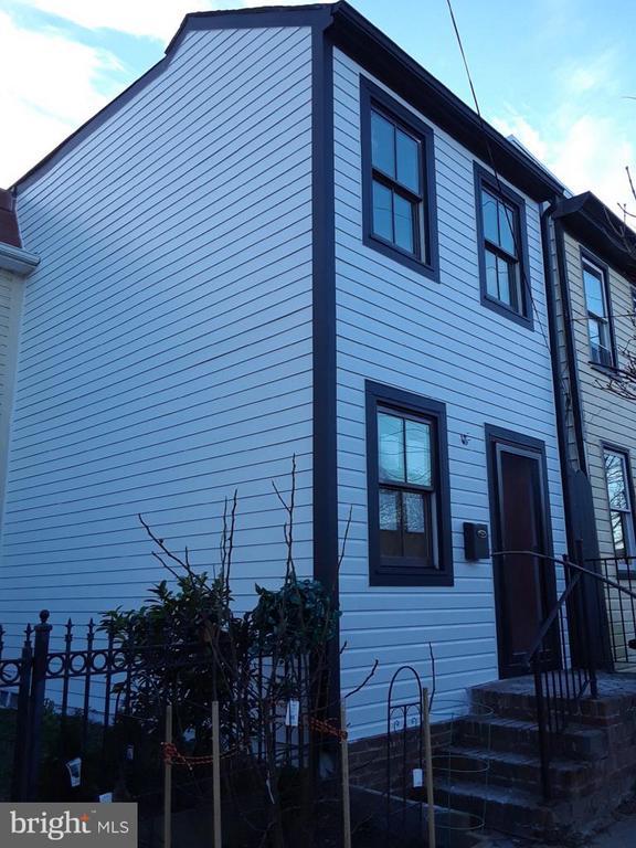 1114  PRINCESS STREET, Alexandria, Virginia