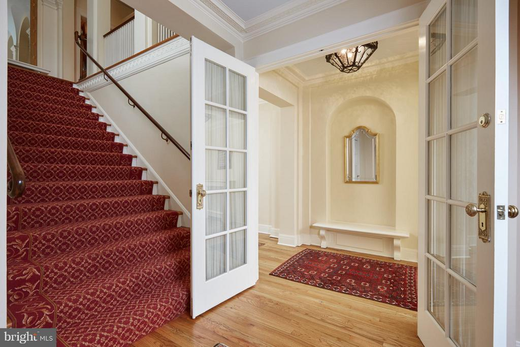 Entrance from hallway to owner's residence - 2019 Q ST NW, WASHINGTON
