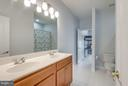 Shared bathroom between 2 bedrooms. - 21584 BURNT HICKORY CT, BROADLANDS