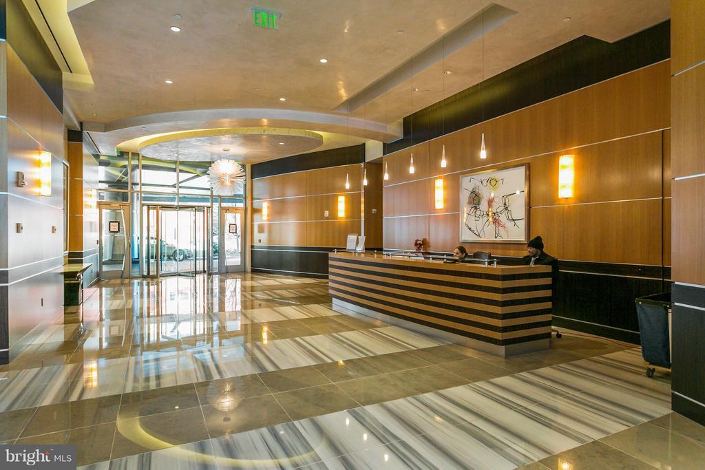 Lobby - 1881 N NASH ST #704, ARLINGTON