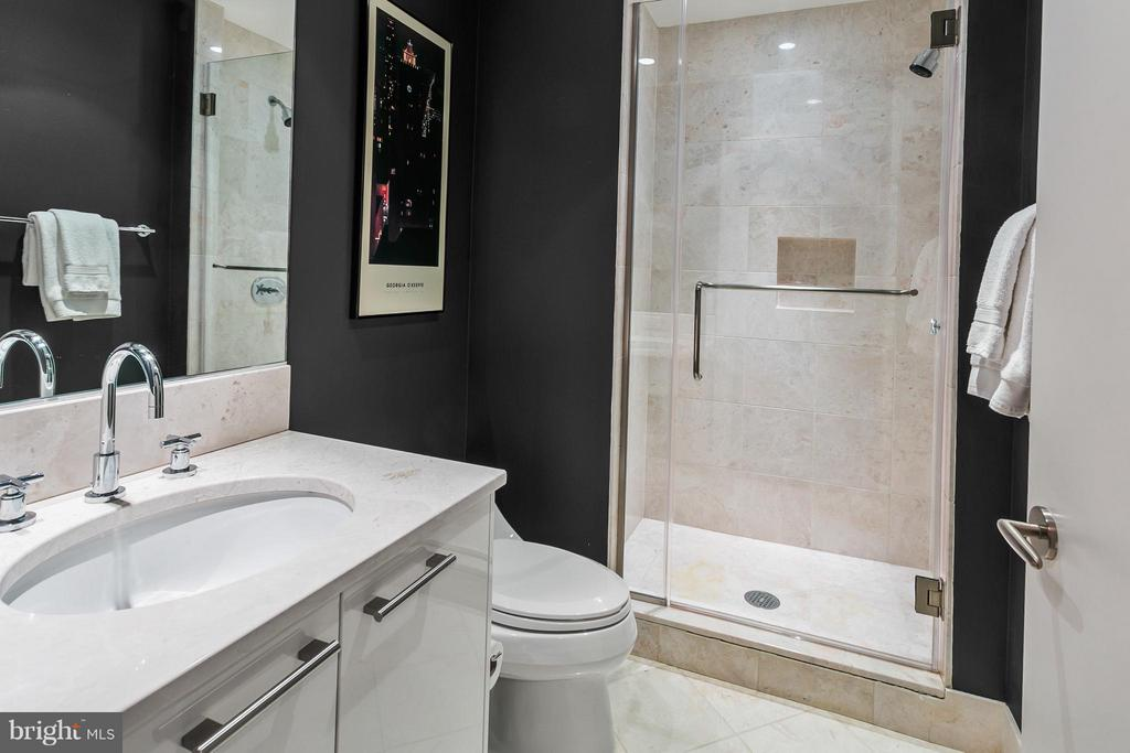 Bathroom - 1881 N NASH ST #704, ARLINGTON