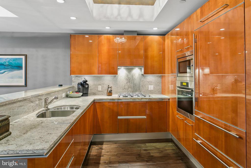 Kitchen - 1881 N NASH ST #704, ARLINGTON