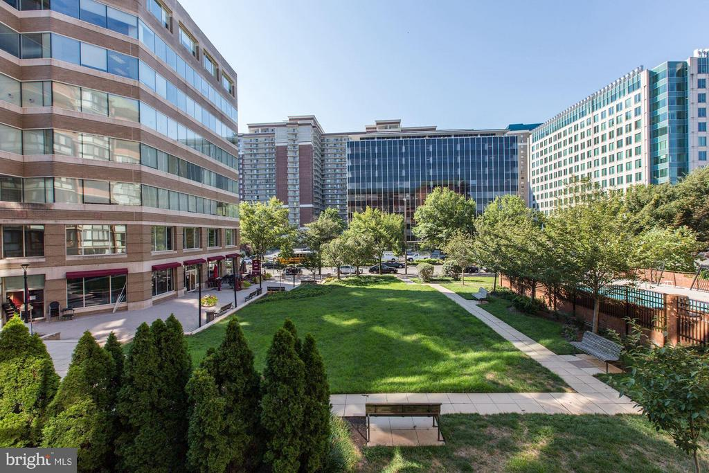 MILLION DOLLAR SOUTHERN VIEW FROM ACTUAL UNIT! - 1001 N RANDOLPH ST #106, ARLINGTON